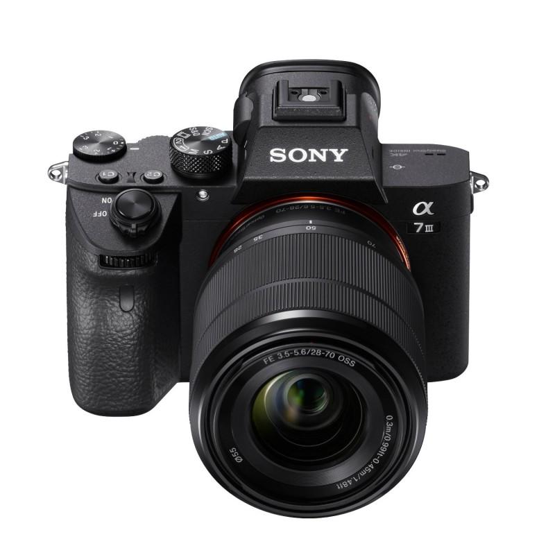 Sony Alpha A7 III + FE 28-70 mm F3.5-5.6 OSS